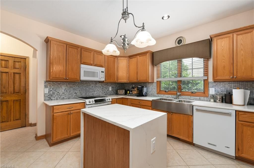 5320 Middlebury Ct-11