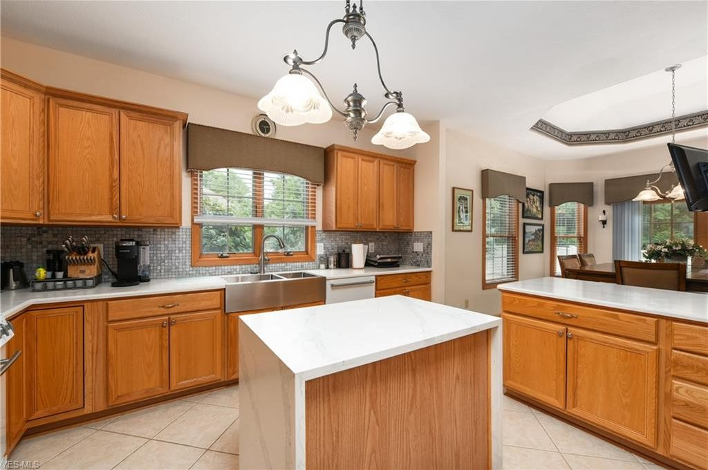 5320 Middlebury Ct-13